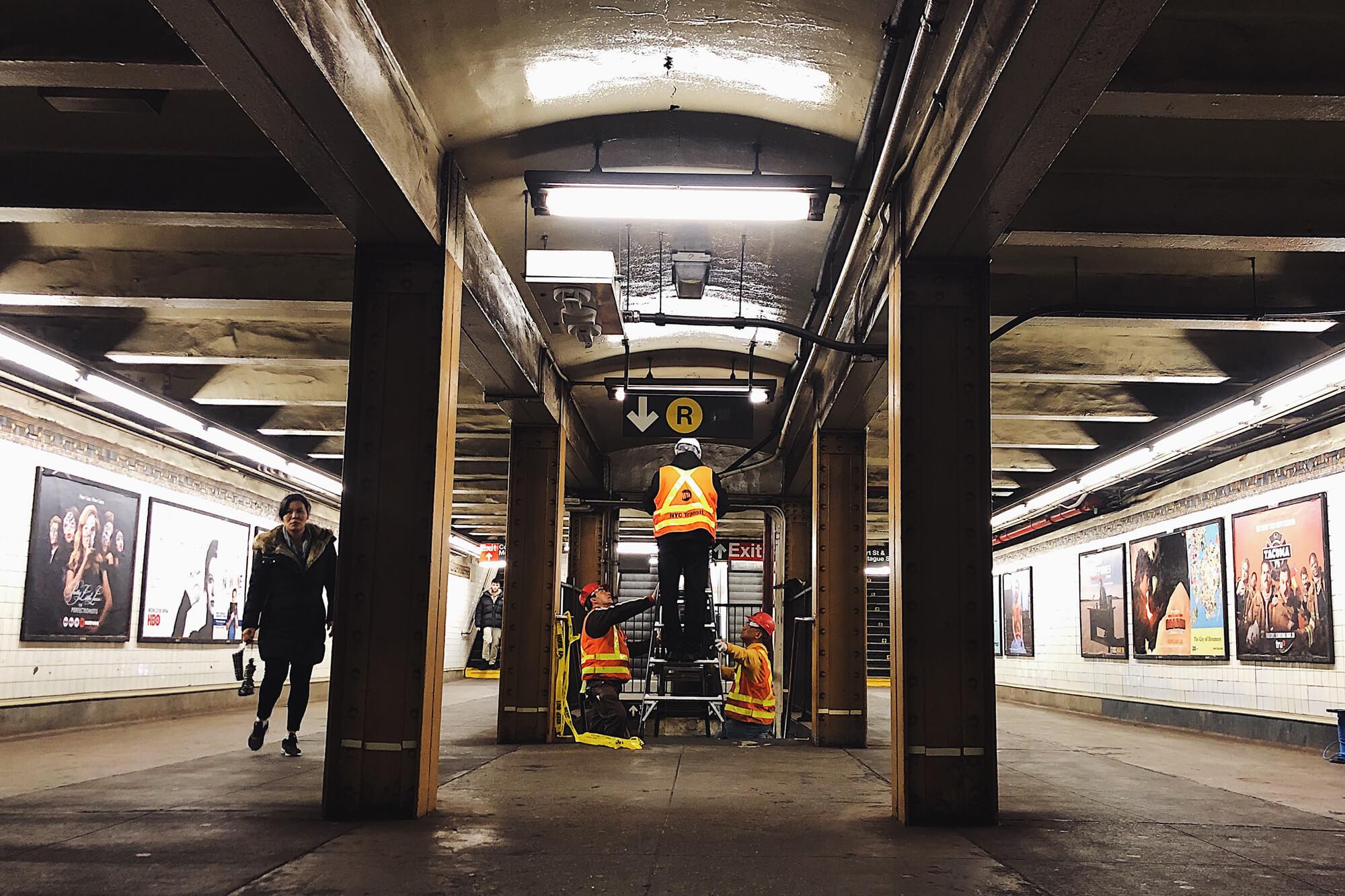 Veovo sensor installation at Court St subway station